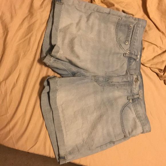 GAP Pants - Gap sexy boyfriend shorts light jean, size: 30